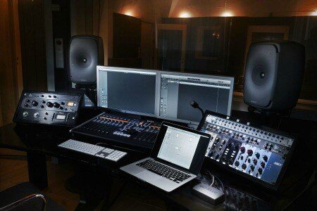 studio-monitor-2265308